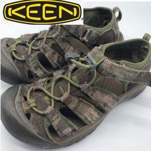 Keen Camo closed Toe Sandals Kids 3